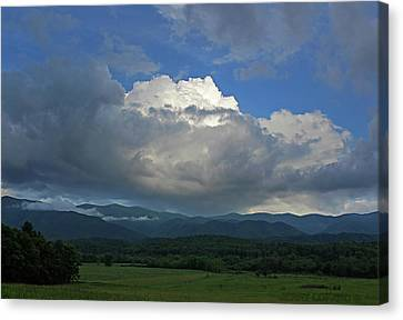 Cades Cloud Canvas Print by Jerry LoFaro