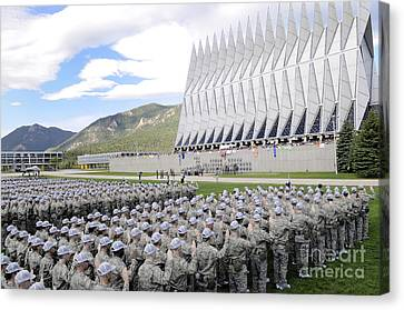 Cadets Recite The Oath Of Allegiance Canvas Print by Stocktrek Images