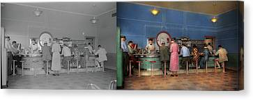 Canvas Print - Cafe - The Half Way Point 1938 - Side By Side by Mike Savad
