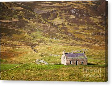 Cairngorms Cottage Canvas Print by Jane Rix