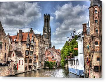 Canvas Print featuring the photograph Calm Afternoon In Bruges by Shawn Everhart
