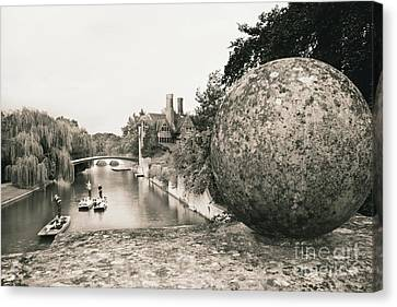 Cambridge Punting  Canvas Print by Eden Baed