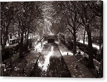 Canal Saint Martin 2 Canvas Print