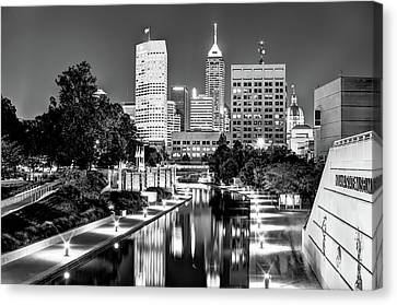 Canal Walk To Indianapolis Indiana's Skyline - Black-white Canvas Print