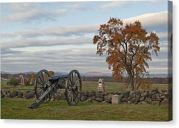 Cannon And Stone Wall At Gettysburg Canvas Print
