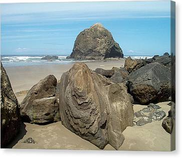 Cannon Beach Boulders Canvas Print