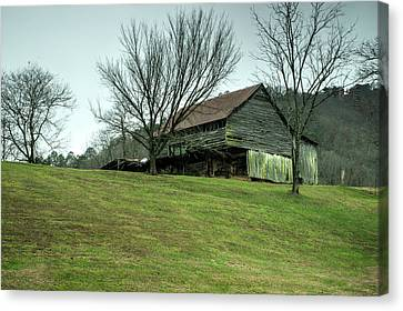 Cantilever Barn Sevier County Tennessee Canvas Print by Douglas Barnett