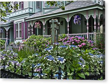 Cape May House And Garden. Canvas Print by John Greim