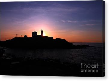Cape Neddick Lighthouse Canvas Print by Jim Beckwith