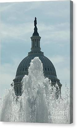 Capital Dome Behind Fountain Canvas Print