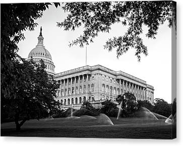Canvas Print featuring the photograph Capitol Lawn In Black And White by Greg Mimbs