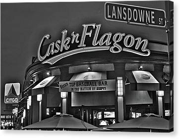 Cask And Flagon Citgo Sign Lansdowne Street Black And White Canvas Print by Toby McGuire