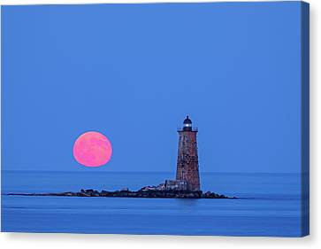 Canvas Print featuring the photograph Castle Island View Of Whaleback Lighthouse And Full Moon  by Juergen Roth