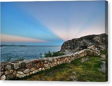 Castle Rock Sunset Sunrays Marblehead Ma Canvas Print by Toby McGuire