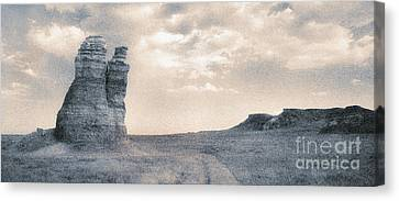 Canvas Print featuring the photograph Castles Of Wonder by Thomas Bomstad