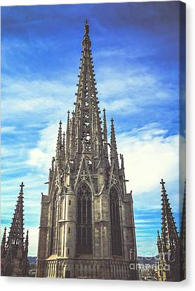 Canvas Print featuring the photograph Catedral De Barcelona by Colleen Kammerer
