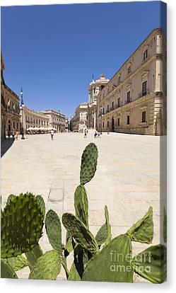 Cathedral Square Of Syracuse Canvas Print by Wolfgang Steiner