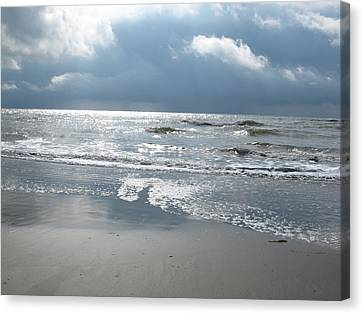 Caught A Wave Canvas Print by B Rossitto