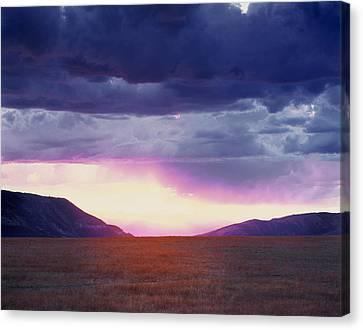 Cdt Sunset Canvas Print by Leland D Howard