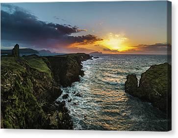 Ceann Sibeal Sunset Canvas Print by Florian Walsh