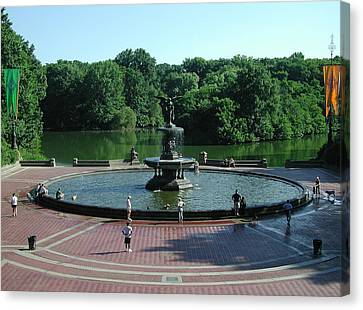 Central Fountain Canvas Print by Kelvin Booker