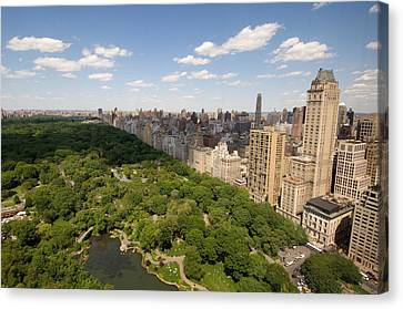 Central Park In New York City Canvas Print by Joel Sartore