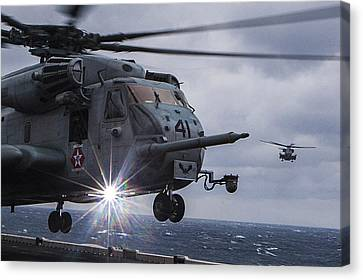 Ch-53e Super Stallion Helicopter Us Navy Canvas Print