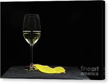 Canvas Print featuring the photograph Chardonnay Time by Kennerth and Birgitta Kullman