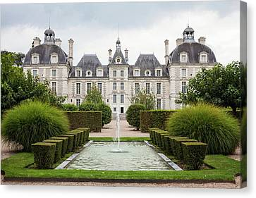 Chateau De Cheverny Canvas Print by Peter Handy