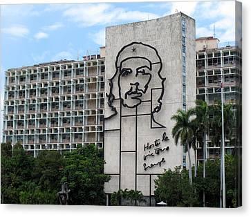 Che Guevara Building Canvas Print by Cindy Kellogg