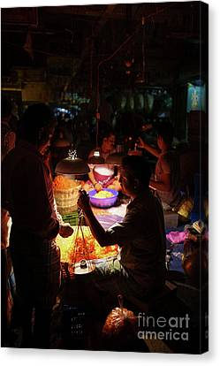 Canvas Print featuring the photograph Chennai Flower Market Transaction by Mike Reid