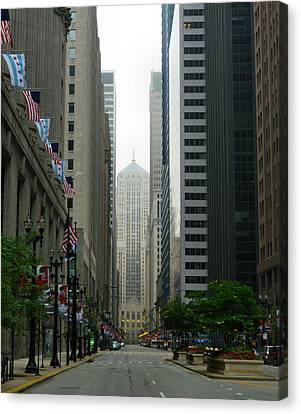 Chicago Architecture - 17 Canvas Print by Ely Arsha