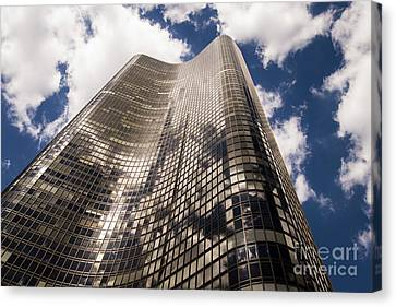 Canvas Print featuring the photograph Chicago Building by Zawhaus Photography
