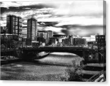 Chicago In November Chicago River South Branch Bw Canvas Print by Thomas Woolworth