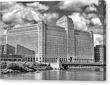 Chicago Merchandise Mart Black And White Canvas Print by Christopher Arndt