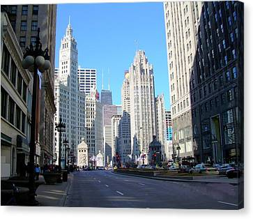 Chicago Miracle Mile Canvas Print by Anita Burgermeister