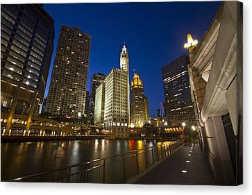 Chicago River And Wrigley Building Canvas Print by Sven Brogren