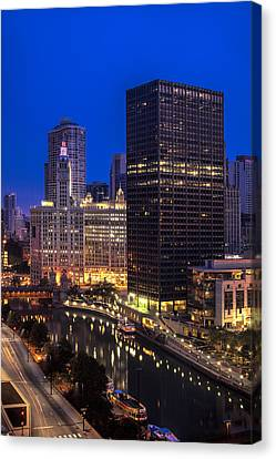 Chicago River At Twilight Canvas Print by Andrew Soundarajan
