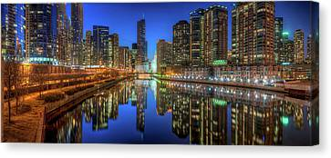 Chicago River East Canvas Print by Steve Gadomski