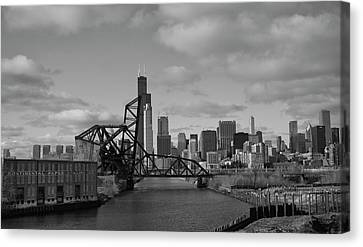 Canvas Print featuring the photograph Chicago Skyline 2 by Sheryl Thomas