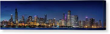Canvas Print featuring the photograph Chicago Skyline After Sunset by Emmanuel Panagiotakis