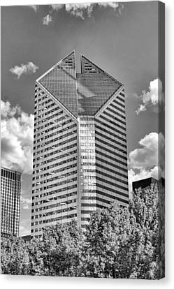 Canvas Print featuring the photograph Chicago Smurfit-stone Building Black And White by Christopher Arndt