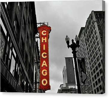 Canvas Print featuring the photograph Chicago Theater In Black And White by Sheryl Thomas