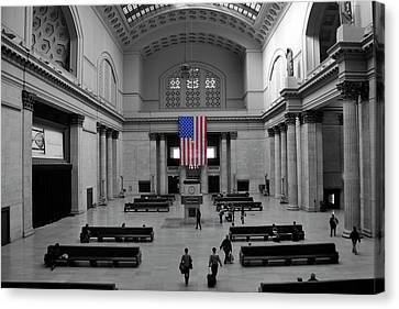 Canvas Print featuring the photograph Chicago Union Station by Sheryl Thomas