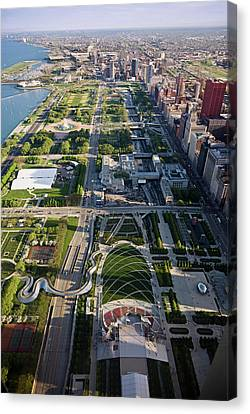 Chicagos Front Yard 2006 Canvas Print