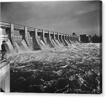 Chickamauga Dam Spillway Was Built Canvas Print by Everett