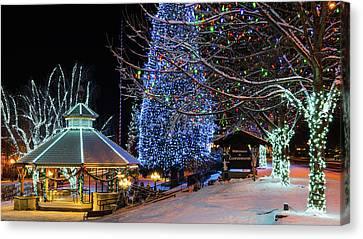 Canvas Print featuring the photograph Christmas In Leavenworth by Dan Mihai