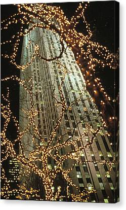 Christmas In Manhattan Canvas Print by Barbara Porto