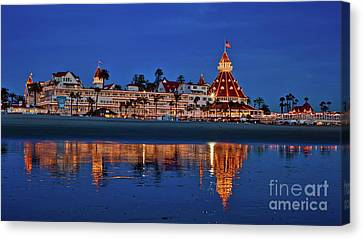 Christmas Lights At The Hotel Del Coronado Canvas Print