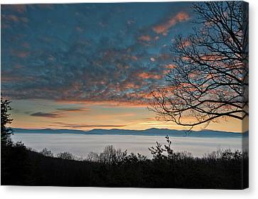Canvas Print featuring the photograph Christmas Morning Sunrise 2016 by Lara Ellis